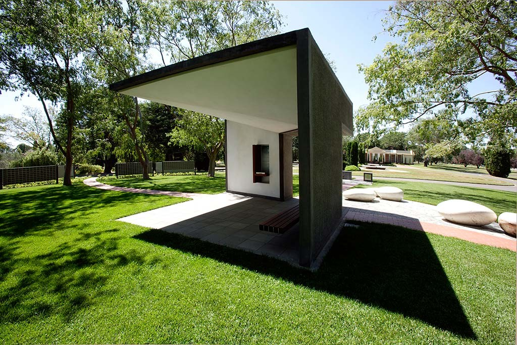 gardens of rememberance _philip-leeson-architects_184