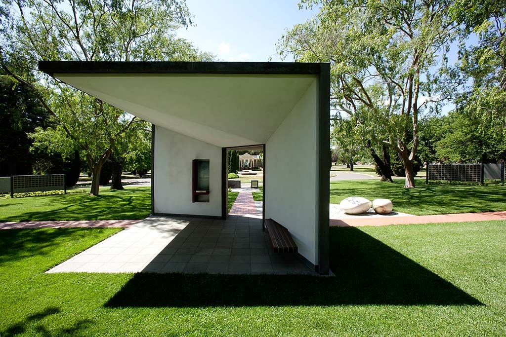 gardens of rememberance _philip-leeson-architects_187